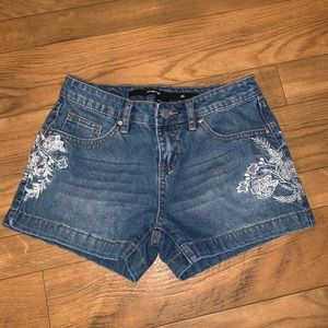 Harper Denim Embroidered Shorts Size 25